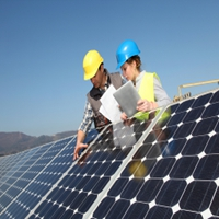 New Tariffs on Chinese Solar-Panel Makers Split the US Solar Industry